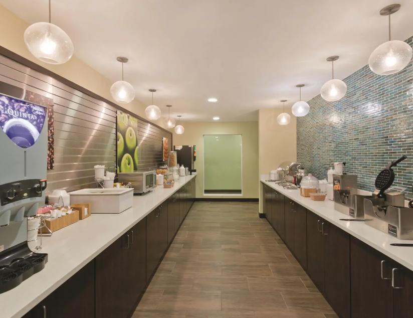 La Quinta Inn Artesia NM Breakfast Bar