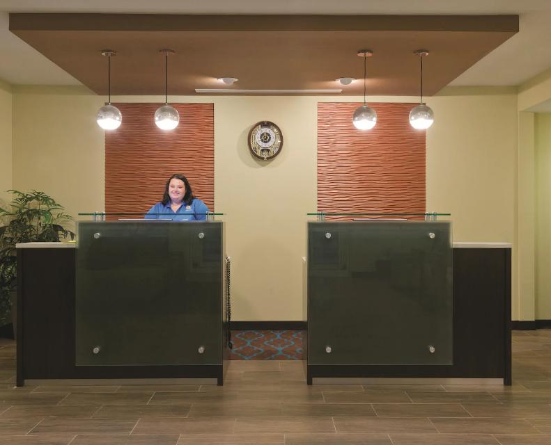 La Quinta Inn Artesia NM lobby